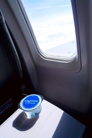Flugverpflegung: Minaralwasser